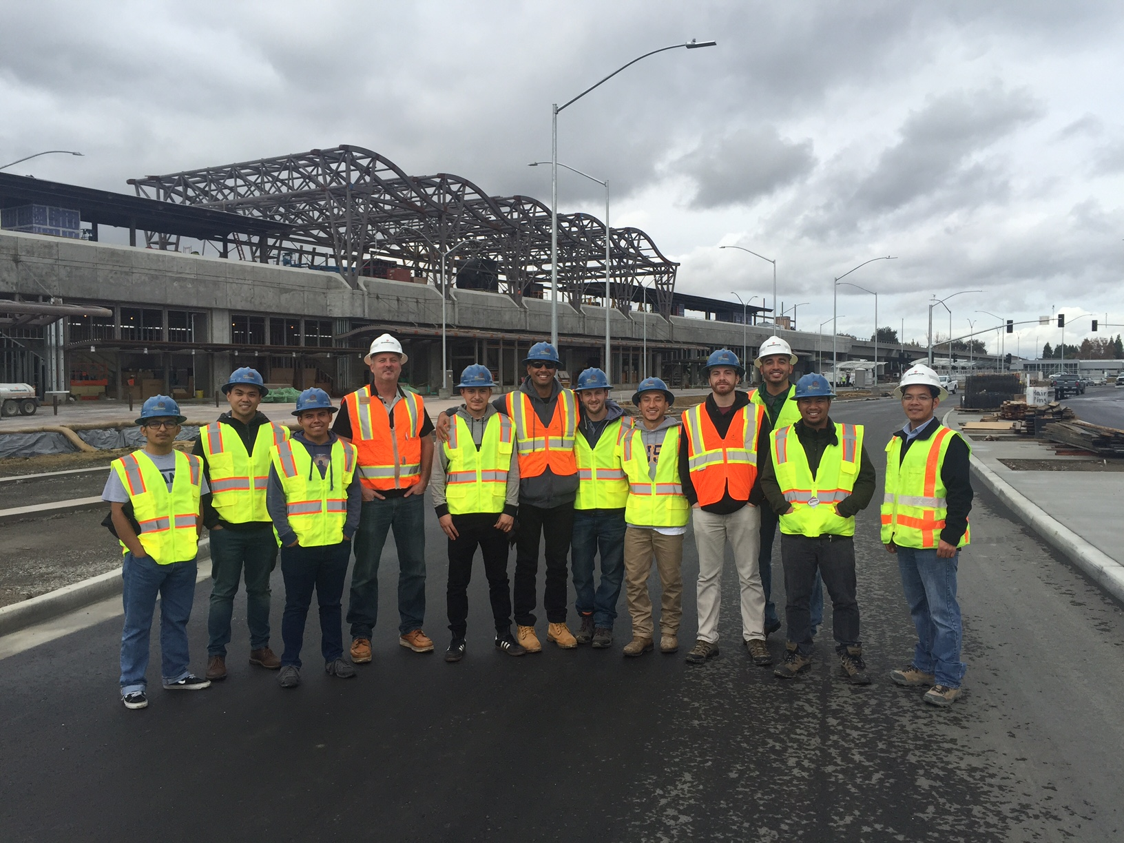 College students tour job sites