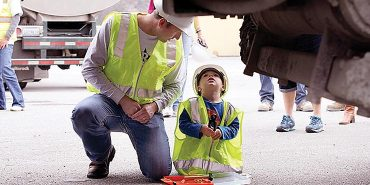 Link to read full article 'Seaside boy with kidney cancer granted wish to be builder'